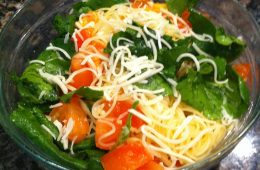 Instead of hastily making an unhealthy meal, make this quick and easy pasta recipe. Credit: Rachel Sun/The Foothill Dragon Press