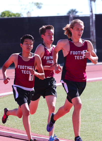 (From left to right) Sophomores Josh Ramirez, Jonah Bufford and Evan Pedersen compete. Credit: Sarah Kagan/The Foothill Dragon Press