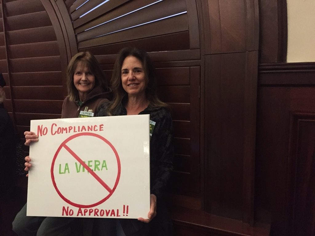 Juli Marciel (left) and Ann McDonald (right) oppose Regent's pre-application to build on Ventura's hillsides. Credit: Ryan Moore/The Foothill Dragon Press