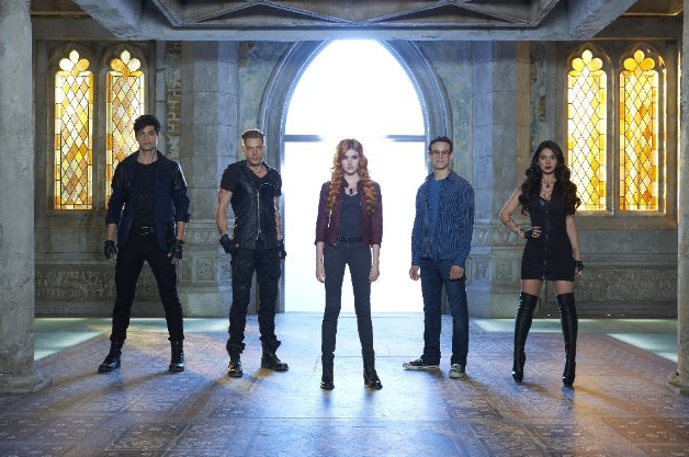 Still of Emeraude Toubia, Katherine McNamara, Dominic Sherwood, Matthew Daddario and Alberto Rosende in Shadowhunters: The Mortal Instruments (2016). Photo Credit: Bob D'Amico/ABC Family - © © 2015 Disney Enterprises, Inc.