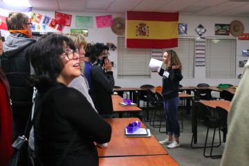 ASB student Alli Shields '17 leads a tour group. Credit: Grace Carey / The Foothill Dragon Press