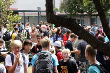The mingling crowd of Club Rush 2017. Credit: Abigail Massar/ The Foothill Dragon Press