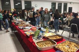 Seniors had a slew of options as a result of the potluck-style dinner. Credit: Jill Vallance / The Foothill Dragon Press