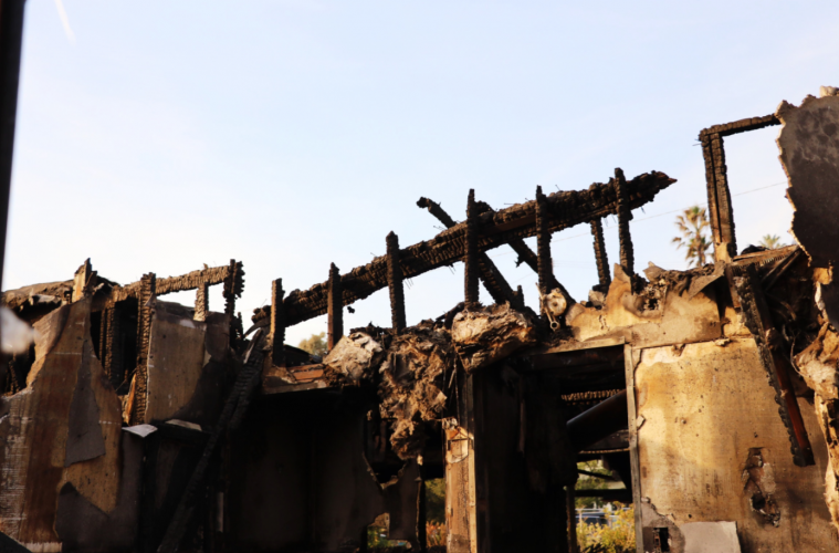 A house in the wake of the Thomas Fire. Credit: Olivia Sanford / The Foothill Dragon Press