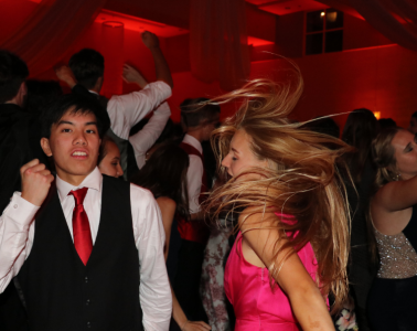 Blythe Blakeman '19 and Darren Wu '19 dance the night away. Credit: Olivia Sanford / The Foothill Dragon Press