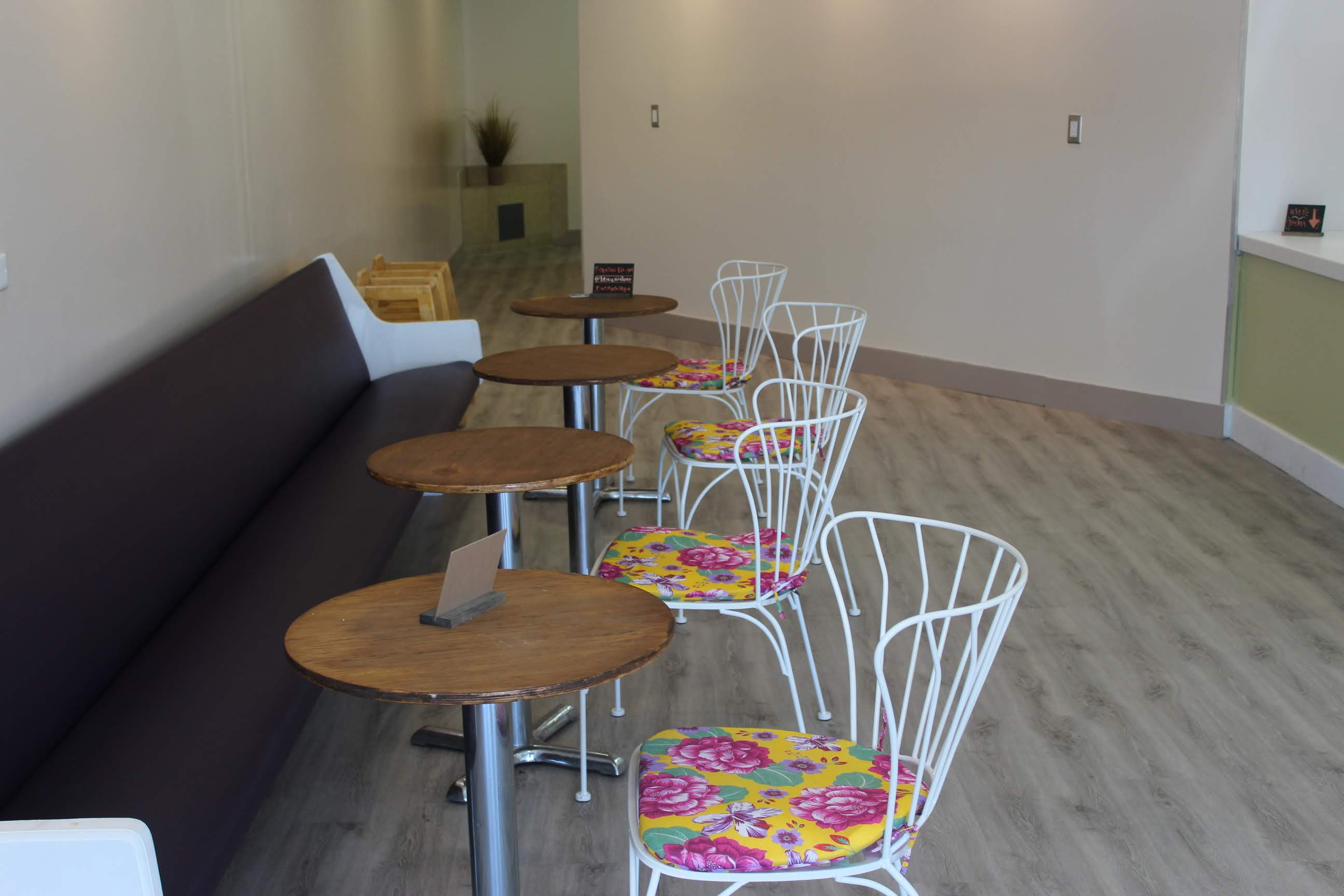 The seating and design of the shop. Credit: Abby Sourwine / The Foothill Dragon Press