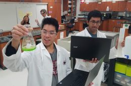 Darren Wu '19 and Ryan Sequiera '19 in BioTech Lab. Credit: Jonathan Soriano / The Foothill Dragon Press