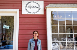 Sydney Young, owner of Maines hair salon in Santa Paula. Credit: Olivia Sanford / The Foothill Dragon Press