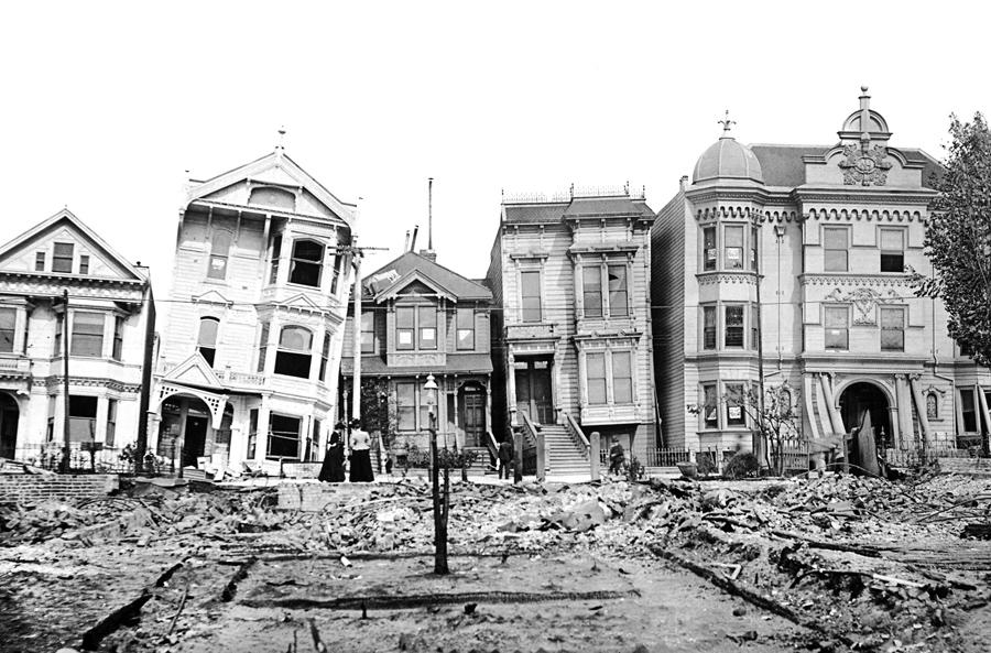 San Francisco houses after the 1906 earthquake. Credit: Kirn Vintage Stock / Corbis