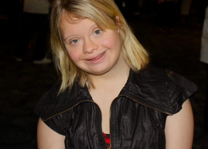 Lauren Potter poses at a fundraiser for Down syndrome research. Credit: Bryn Gallagher/The Foothill Dragon Press.
