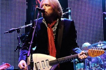 Photo: Tom Petty sings on his recent 2010 Mojo Tour. Creative Commons-licensed photo by Alain Peeri on Flickr.com.
