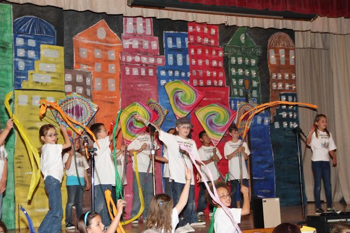 Poinsettia students perform Broadway medley (11 photos)