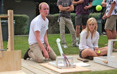 Physics students test tennis ball launchers (10 photos)