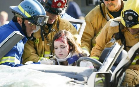 """""""Dead"""" students, crash simulation affect students and raise awareness on drunk driving dangers (94 photos)"""