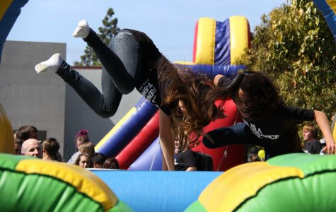 Students race on obstacle courses, eat free food at spring Renaissance rally (25 photos)