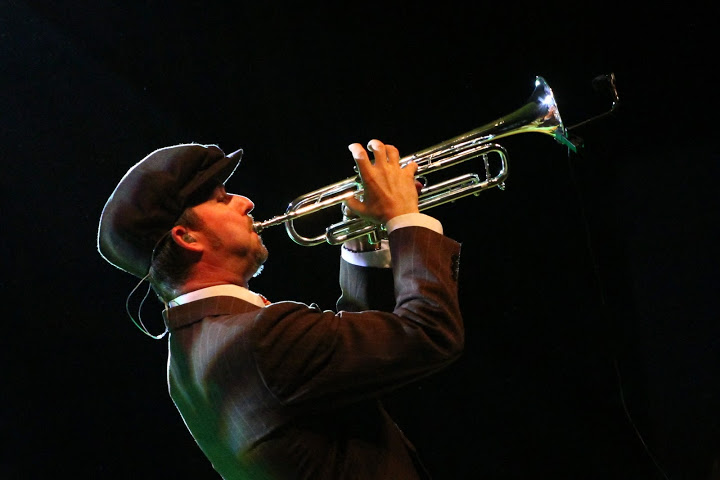 Big Bad Voodoo Daddy benefit concert and Music Fest foster arts programs throughout district (54 photos)