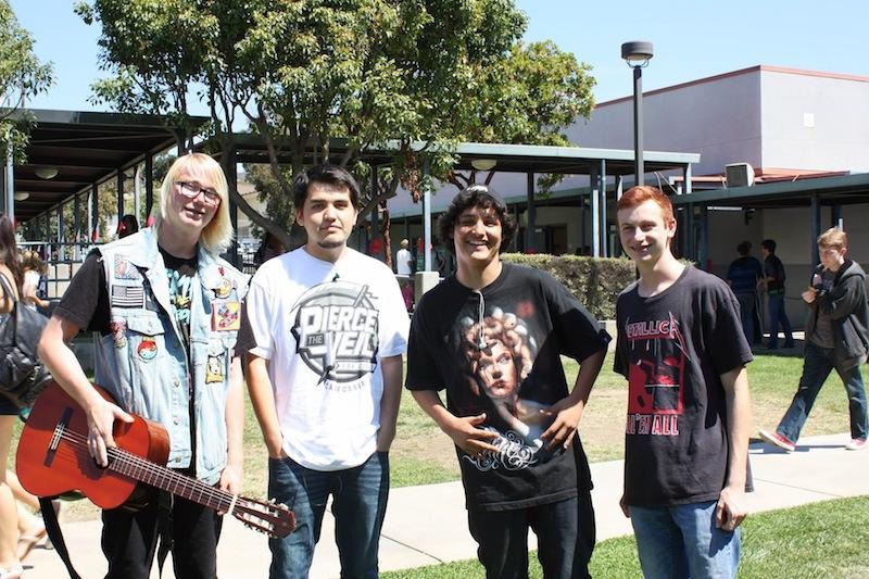 Band T-Shirt Renaissance Friday (19 photos)