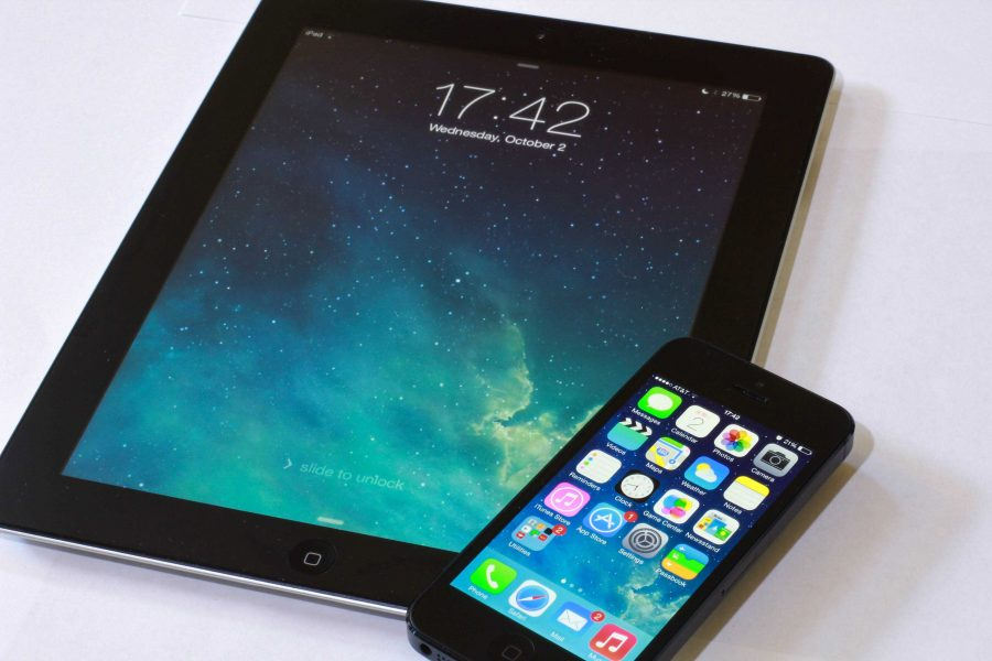 Students react to drastic changes in new Apple software on phones, iPads