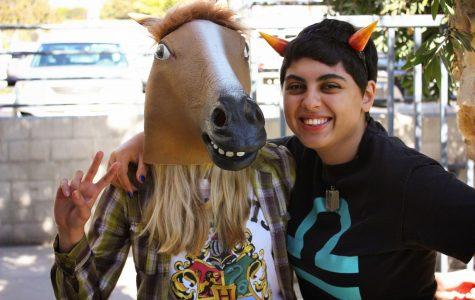 Students participate in Halloween with unique costumes and ensembles (55 photos)