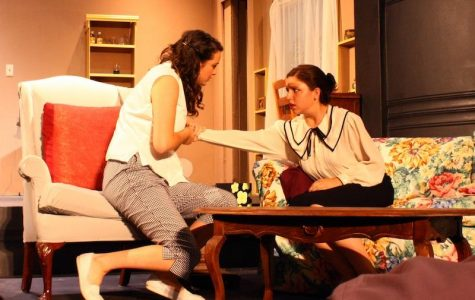 "VHS drama performs classic ""The Odd Couple"" from two perspectives"