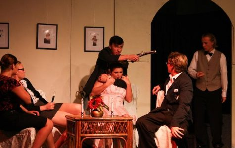 "Audience does more than sit back and relax at ""Murder's in the Heir"" (30 photos, video)"