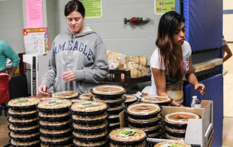 Teen Voice reaches out to the community for Thanksgiving