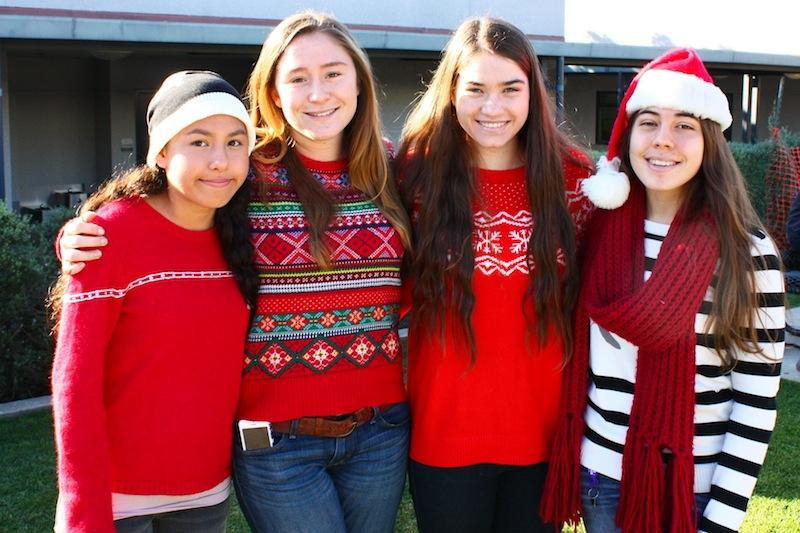 Students dress to show their holiday fashion (22 photos)