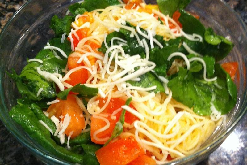 Instead+of+hastily+making+an+unhealthy+meal%2C+make+this+quick+and+easy+pasta+recipe.+Credit%3A+Rachel+Sun%2FThe+Foothill+Dragon+Press
