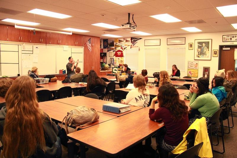 Foothill alumni Lucas Zucker speaks to the Political Action and Awareness Club about becoming politically involved. Credit: Maddy Schmitt/The Foothill Dragon Press