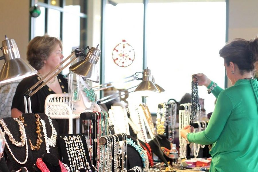 Cancer Support Community celebrates their Holiday Homes Tour boutique