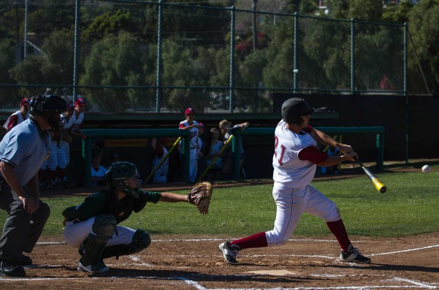 Foothill+baseball+mercies+Ojai+Valley+School+at+second+home+game%2C+17-5