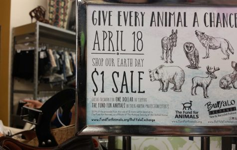 "Annual ""Dollar Day"" rush at Buffalo Exchange supports charity"