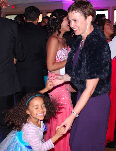 Social sciences teacher Claire Adams dances with her daughter. Credit: Jessie Snyder/The Foothill Dragon Press