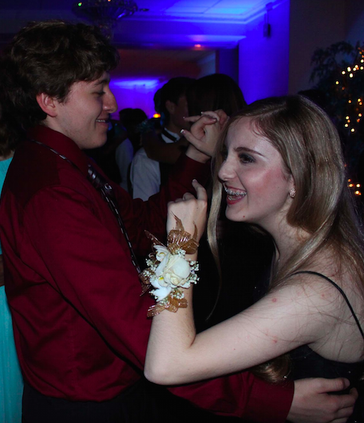 Seniors Michael Woodson and Madeleine Riddle dance. Credit: Jessie Snyder/The Foothill Dragon Press