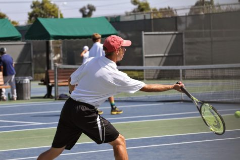 """Boys' tennis gets """"the jump"""" on Santa Clara (12 photos)"""