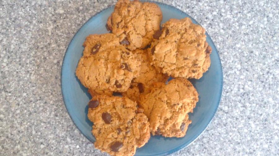 Recipe: Gluten-free peanut butter chocolate cookies (video)