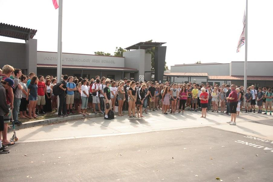 Students gathered outside the school on Friday, Sept. 11 to recite the Pledge of Allegiance. Credit: Grace Carey/The Foothill Dragon Press