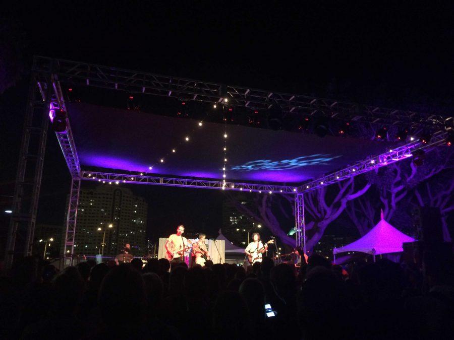 Long Beach Folk Revival Festival (8 photos)