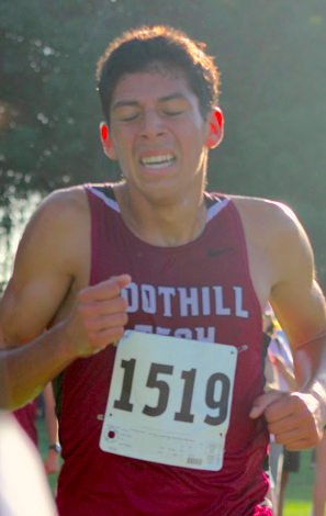 Junior Jared Rodriguez came in third in the boys' varsity race. Credit: Rachel Horiuchi/The Foothill Dragon Press