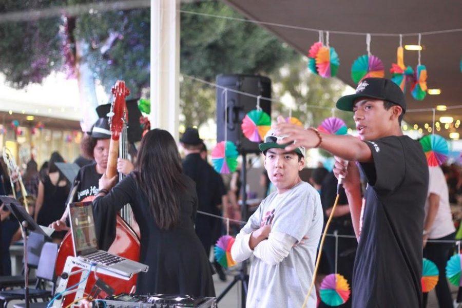 Students+celebrate+Latin+American+culture+at+Buena%E2%80%99s+D%C3%ADa+de+los+Muertos