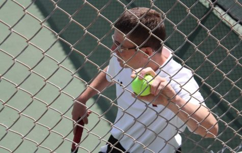 Boys' tennis succumbs to Villanova in final home match, 6-12