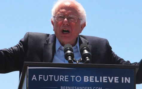 "Bernie Sanders makes ""once in a lifetime"" Ventura appearance"
