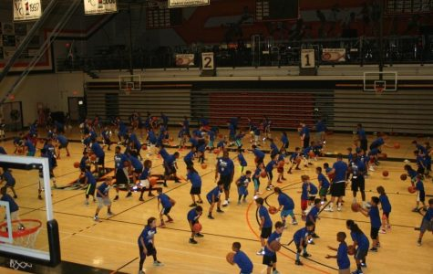 Rising NBA star Seth Curry hosts Ventura camp