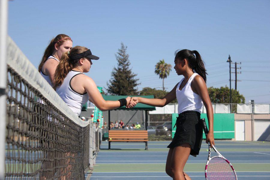 Girls%E2%80%99+tennis+dominates+Saint+Bonaventure+in+first+home+match
