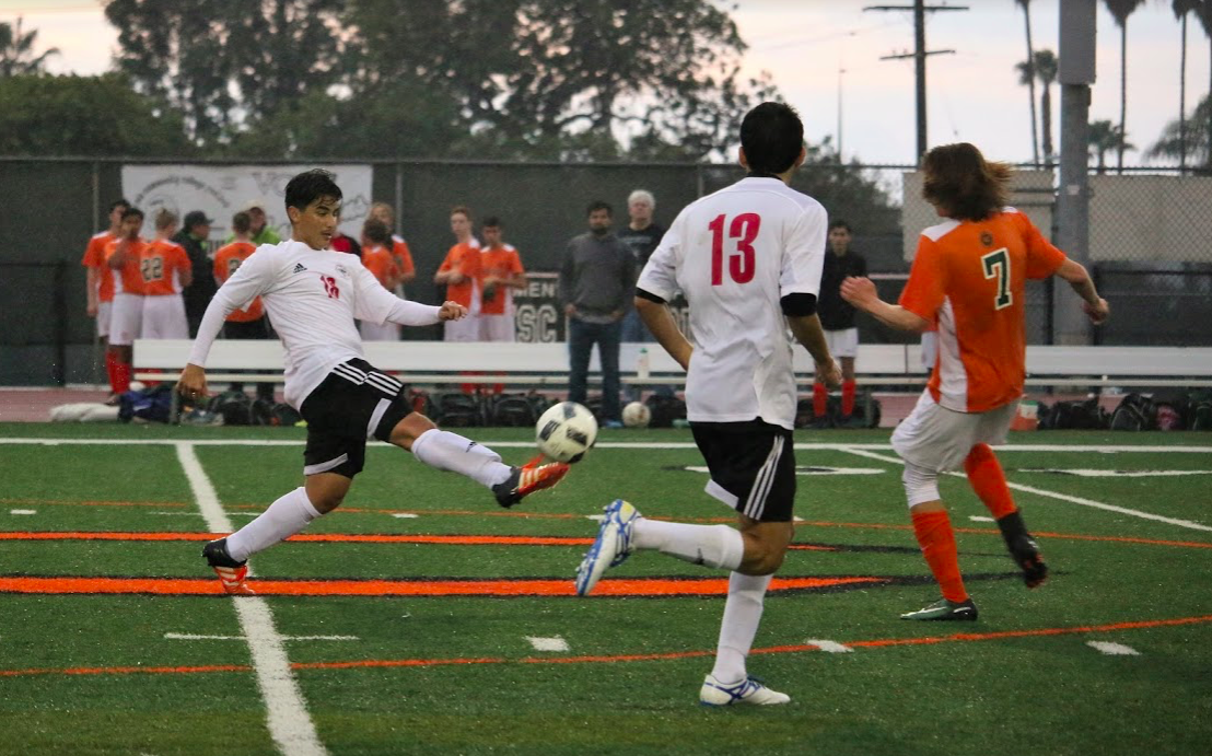 Boys' soccer falls to Thacher in first home game 2-3