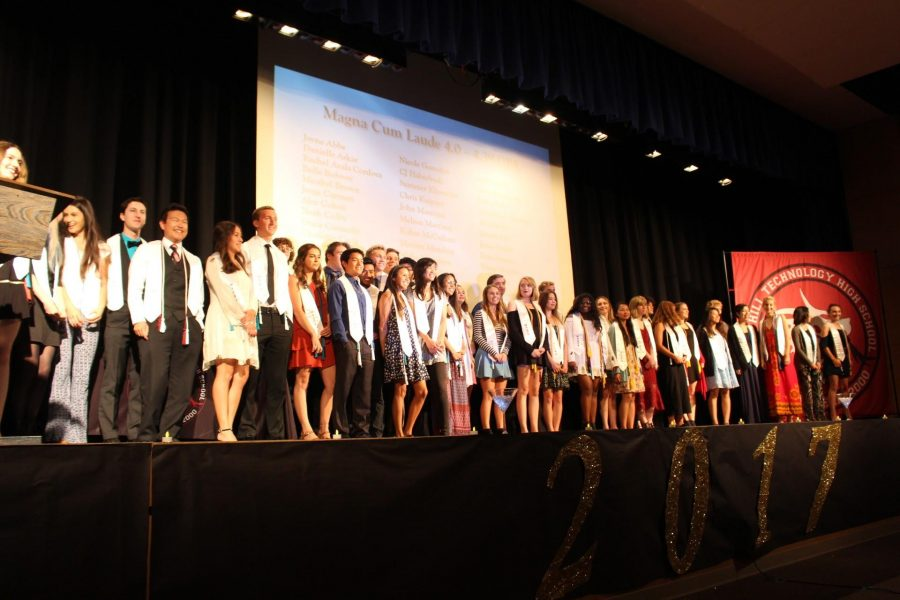 The+seniors+awarded+Magna+Cum+Laude.%0ACredit%3A+Jocelyn+Brossia+%2F+The+Foothill+Dragon+Press