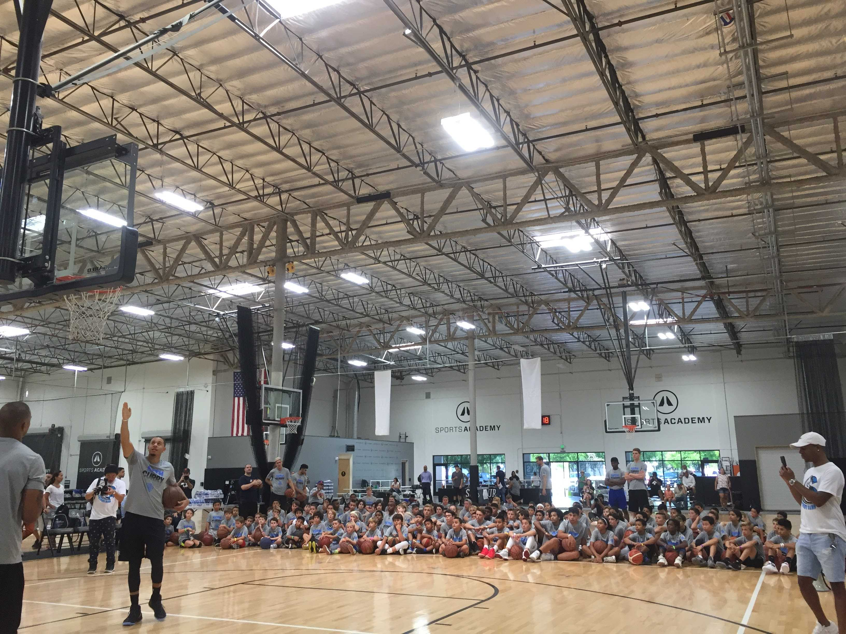 Seth Curry's second annual basketball camp is a 'slam dunk'