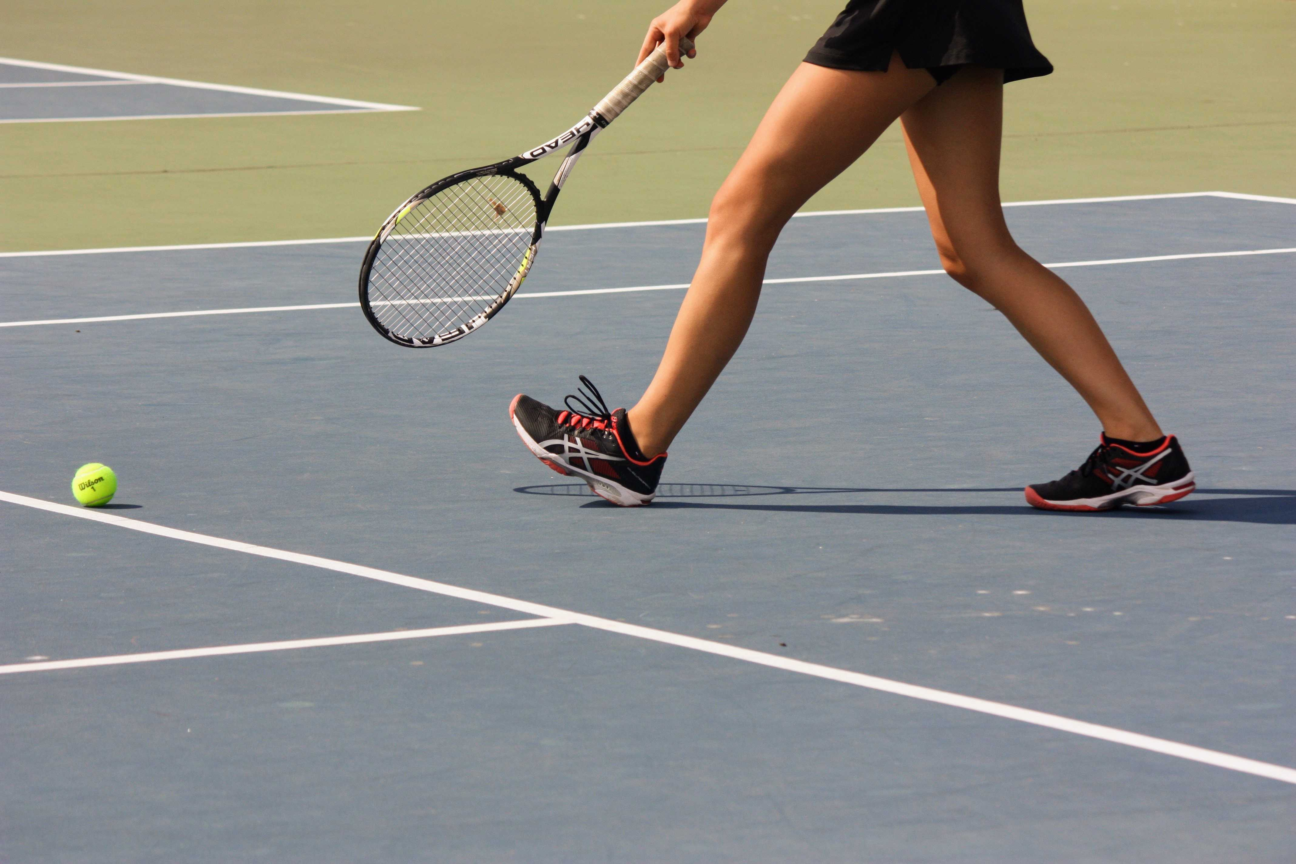 Girls' tennis overwhelms Santa Paula in first home match, 15-3