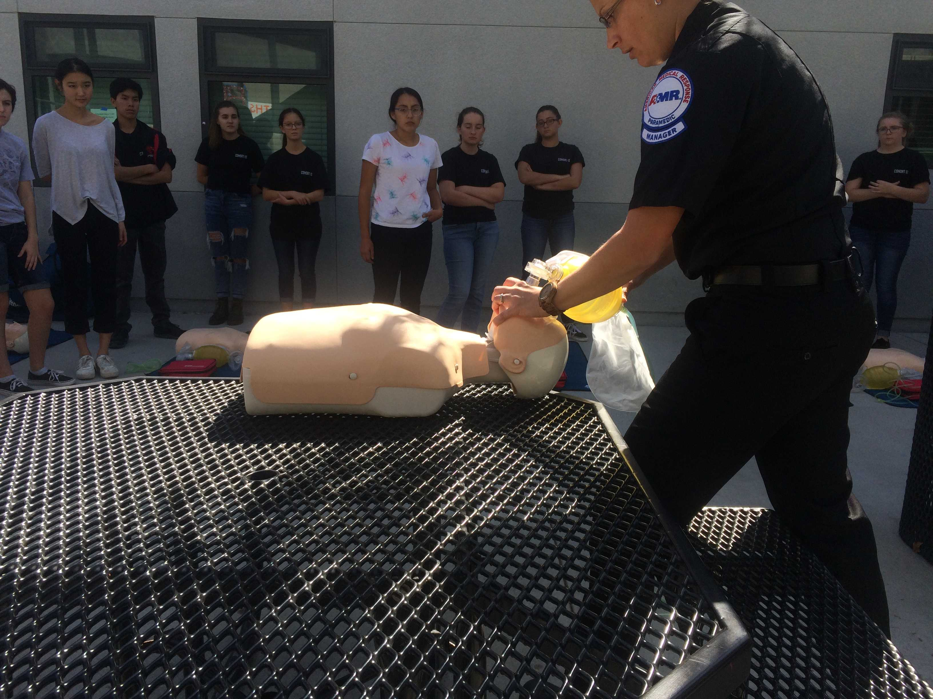 Students observe demonstrations by professionals. Credit: Amazing Oakes / The Foothill Dragon Press