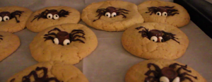 Fantastic eats with Q and E: spooky spider cookies